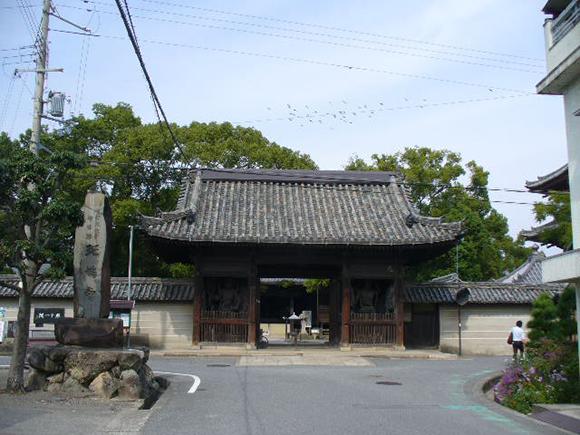 斑鳩寺(撮影:原田)